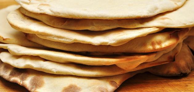 تفسير الخبز في المنام للعزباء ومعناه بالتفصيل من حيث أكله وشراءه زيادة