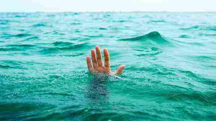 تفسير حلم الغرق في البحر والخروج منه وتفسير إنقاذ شخص من الغرق زيادة