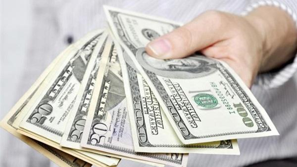 إعطاء المال في المنام للأشخاص ورؤية الصدقة على الفقراء أو إعطاء المال للميت زيادة