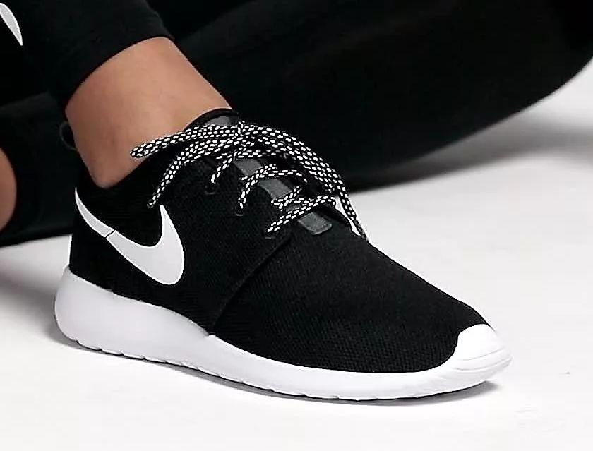 الحذاء الأسود في المنام للعزباء والمتزوجة والحامل لابن سيرين والإمام الصادق زيادة
