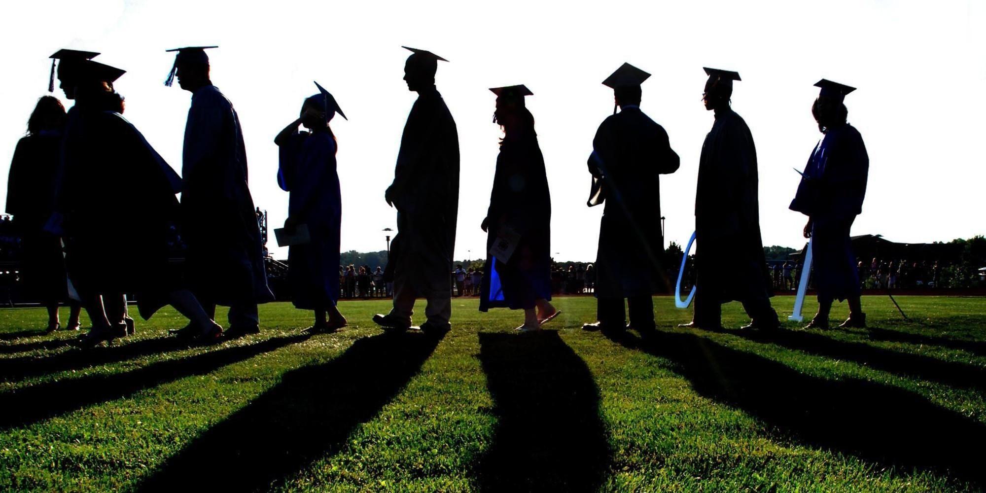 تفسير حلم الدراسة في الجامعة للعزباء والمتزوجة والحامل والرجل زيادة