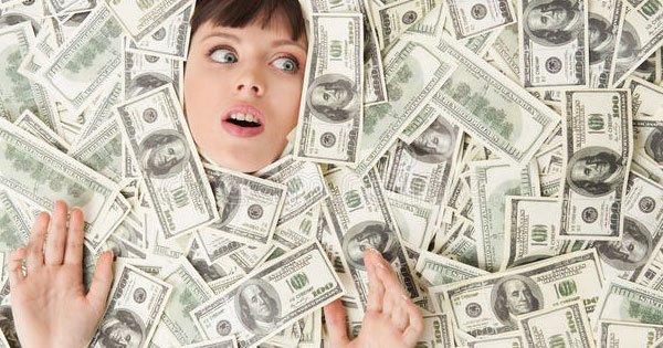 تفسير رؤية المال الورق في المنام لابن سيرين والنابلسي زيادة