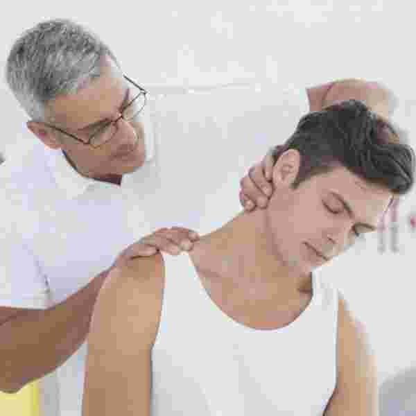 أسباب التهاب الأذن والصداع النصفي