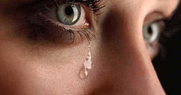 البكاء في المنام لابن سيرين للعزباء والمتزوجة والحامل زيادة