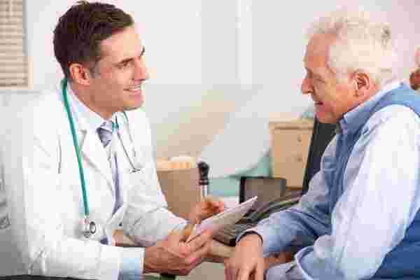 الحالات التي يجب فيها استشارة الطبيب المتخصص