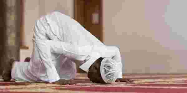 رؤية شخص يصلي في المنام