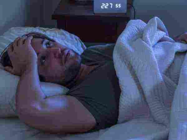 اسباب عدم النوم بعمق