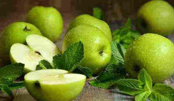 تفسير رؤية التفاح في المنام للمتزوجة والحامل والعزباء زيادة