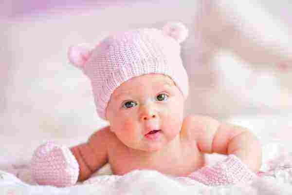 تفسير رؤية الطفل الذكر في المنام بجميع تأويلاته زيادة