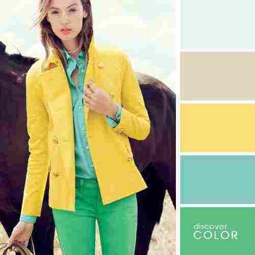 ما هو اللون الذي يناسب اللون الاخضر في الملابس زيادة