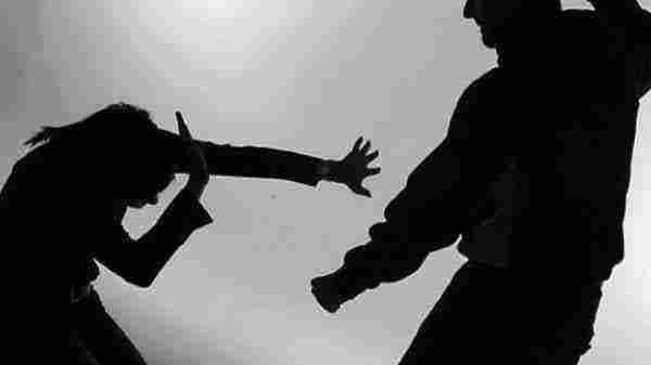 تفسير حلم ضرب الميت للحي ومعانيه المختلفة لابن سيرين والنابلسي زيادة