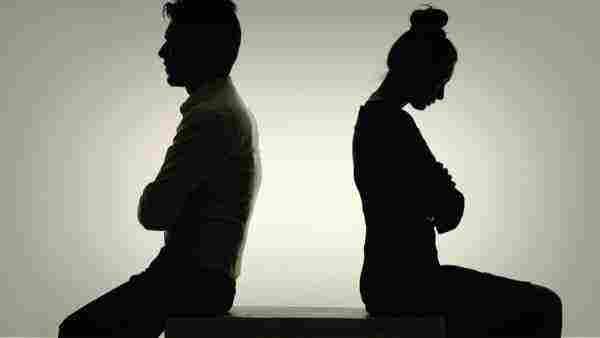 تفسير حلم الطلاق في المنام للمتزوجة والعزباء بالتفصيل زيادة