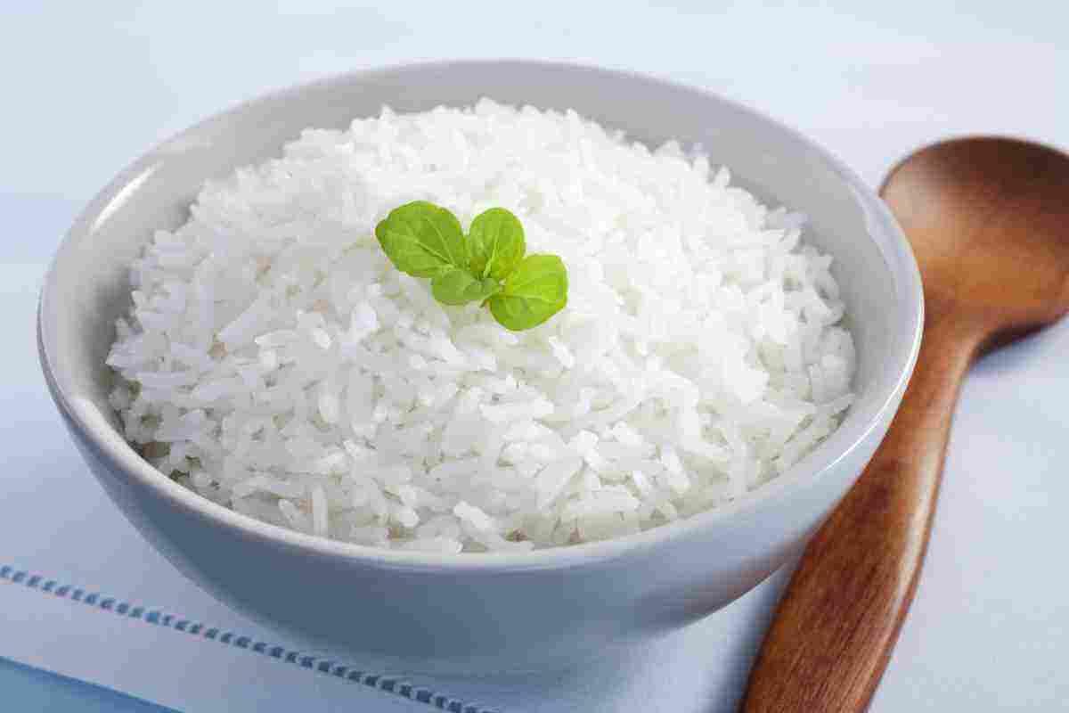 أكل الأرز في المنام للعزباء والمتزوجة والحامل والرجل والشاب الأعزب