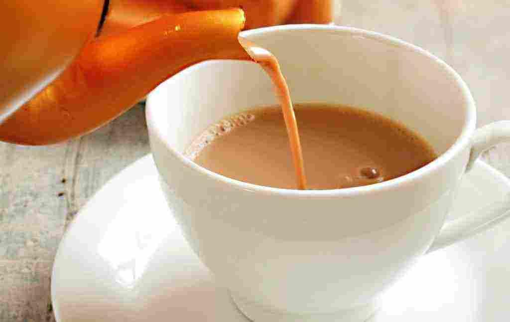 تفسير رؤيا شرب الشاي بالحليب في المنام للمتزوجة والمطلقة والعزباء والشاب زيادة