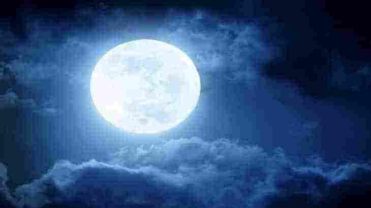 رؤية القمر بدرا في المنام لابن سيرين وللنابلسي زيادة