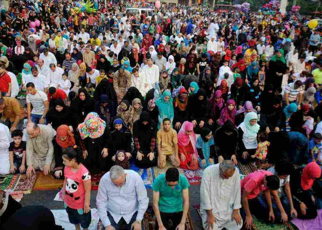 كم عدد تكبيرات صلاة العيد وحكم الجهر بالتكبير – زيادة