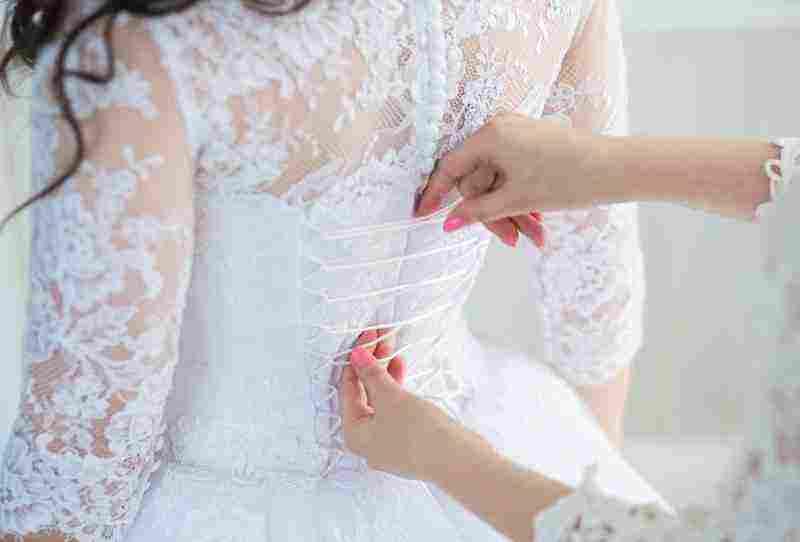 """الفستان الأبيض في المنام """"للعزباء والمتزوجة والحامل"""".. إليك أهم التفسيرات"""