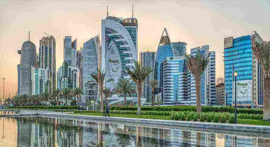 كم عدد سكان قطر ؟ وما هي أبرز المعالم السياحية في قطر ...