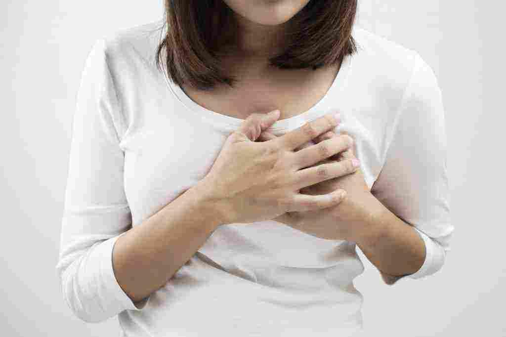 10 حلول لتخفيف ألم الحلمتين في أثناء الرضاعة سوبر ماما