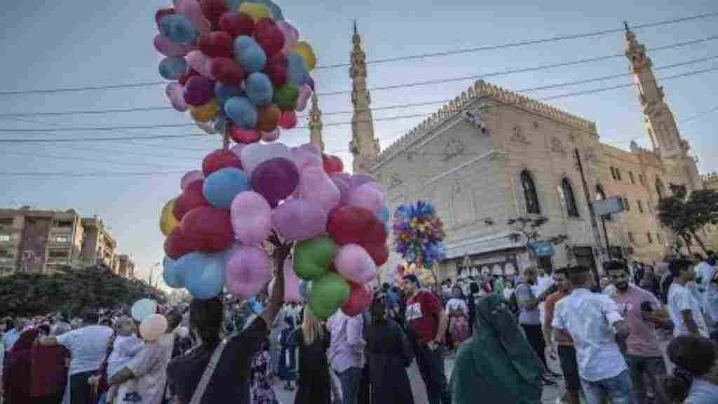 موضوع تعبير عن مظاهر الاحتفال بالعيد زيادة