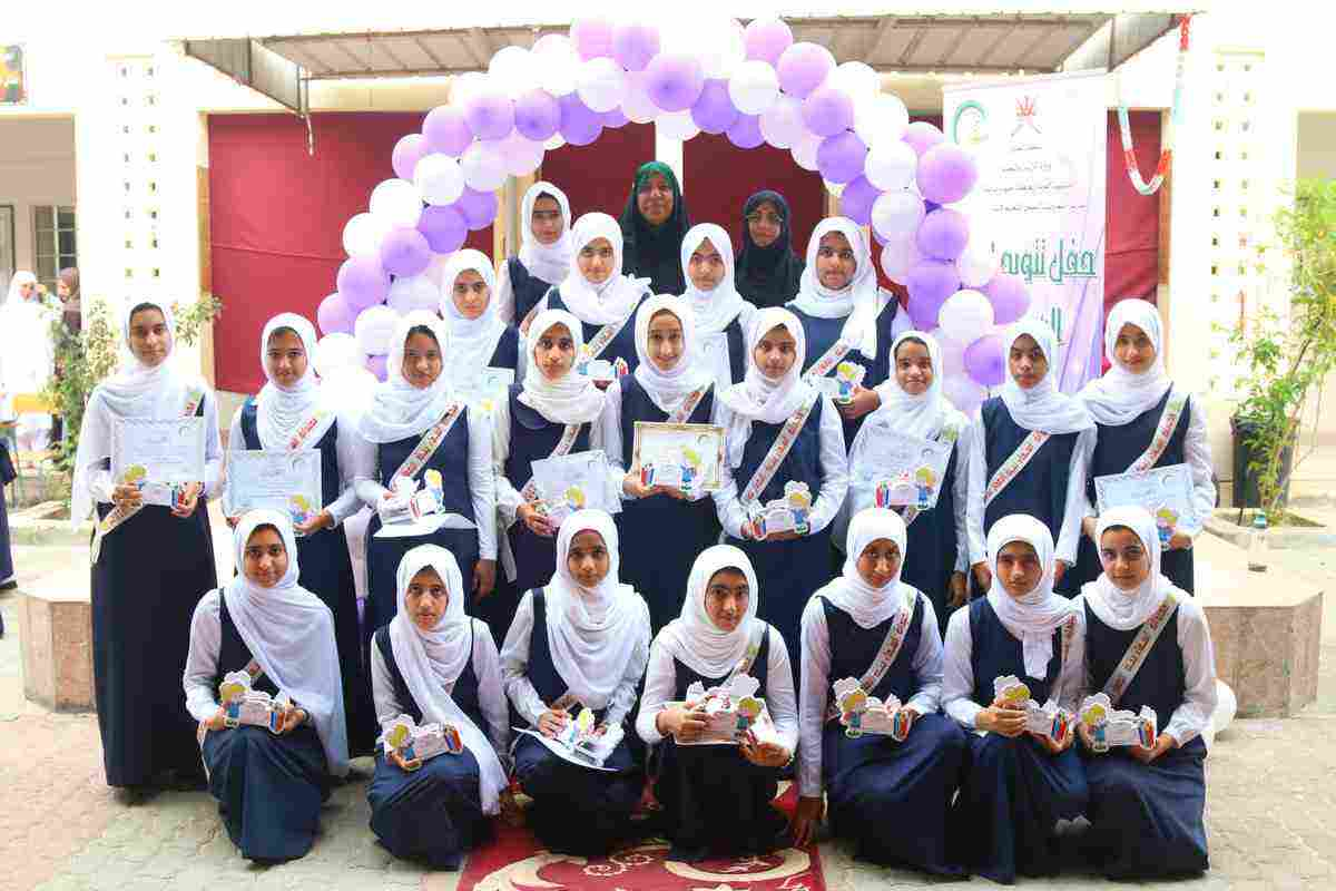 اسماء مجموعات بنات للمدرسة وما هو دور المدرسة في التسمية زيادة
