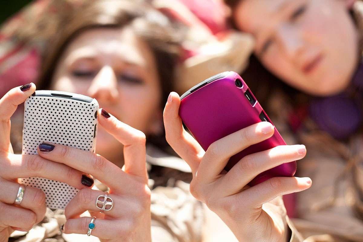 خاتمة عن موضوع الهاتف المحمول وفوائد وأضرار استخدامه زيادة