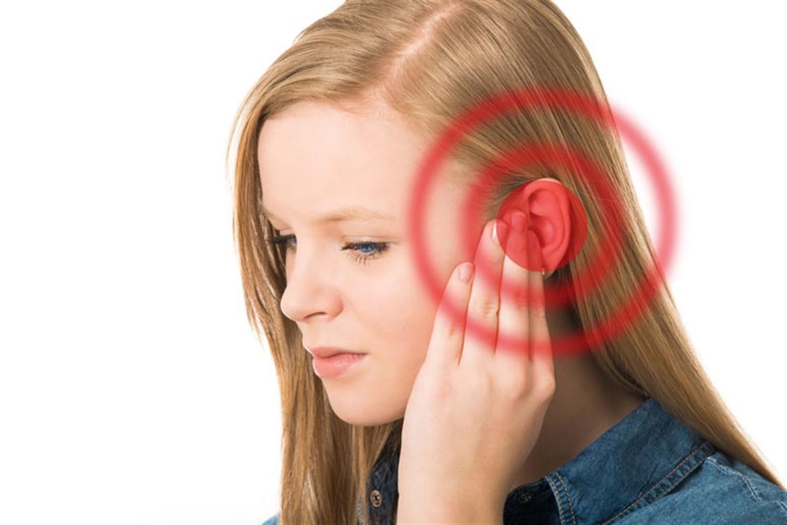 انسداد الأذن اليسرى مع الطنين