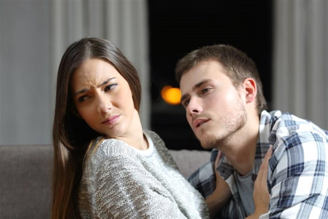 الزوجة التي تهمل زوجها