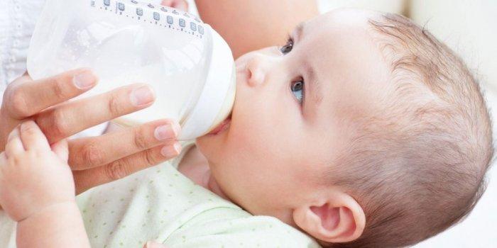 كمية الحليب الصناعي المناسبة للطفل الرضيع ما هي زيادة