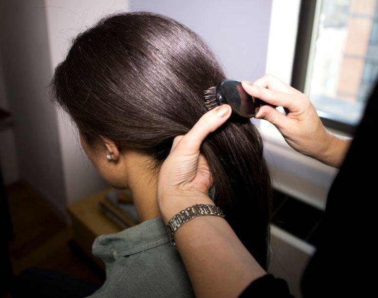 تفسير حلم ربط الشعر في المنام زيادة