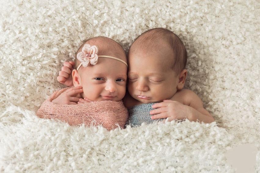 حلمت أني ولدت توأم ولد وبنت وأنا حامل زيادة