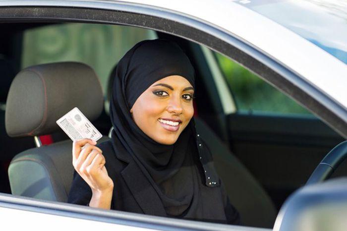 الحصول على رخصة قيادة سعودية بدون امتحان للسيدات
