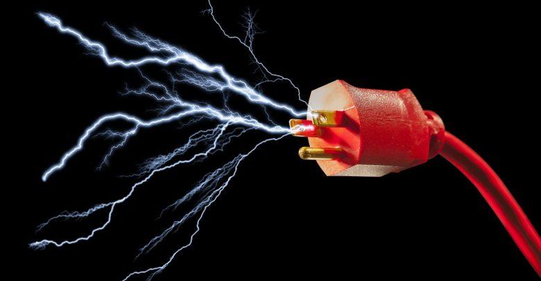 تفسير رؤية الصعق بالكهرباء في المنام.
